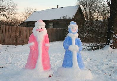 Падал прошлогодний снег или украшаем участок снежными фигурами