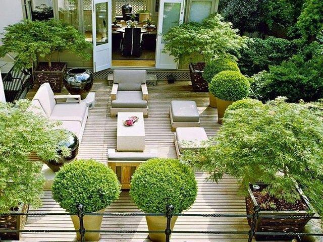 Зеленая крыша в стиле беседка