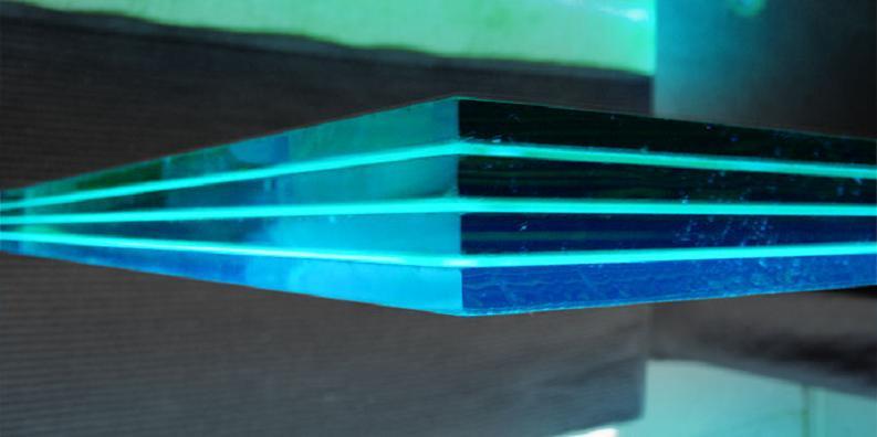 Многослойное безопасное стекло