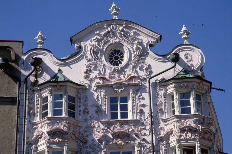 Рококо - изысканная дача в стиле рококо