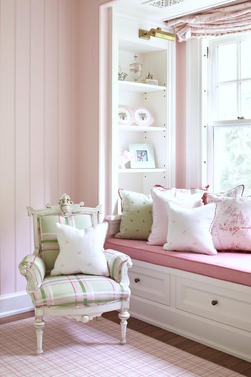 Розовый цвет в детской комнате
